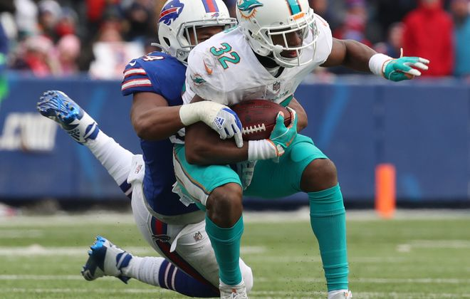 Dolphins running back Kenyan Drake had 53 rushing yards in the first quarter alone when the two teams met in Week 15. (James P. McCoy/Buffalo News)