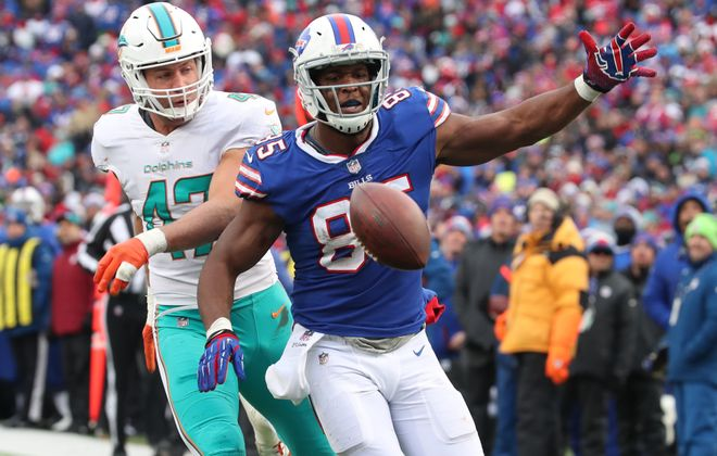 Charles Clay will be back for the Bills on Sunday after missing the last two games. (James P. McCoy/Buffalo News)