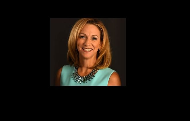 CBS' Beth Mowins will call play-by-play for Sunday's Bills game.