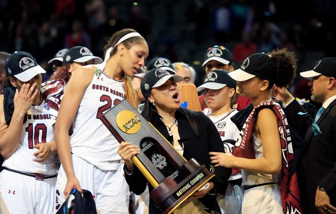 Head coach Dawn Staley guided South Carolina to the 2017 National Championship. (Getty Images)