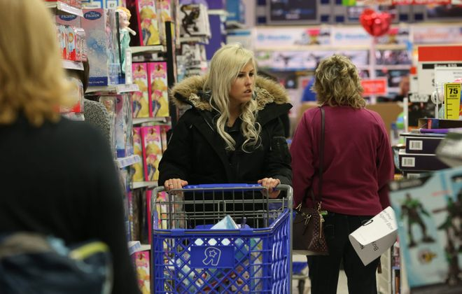 Shoppers got a jump on their Christmas buying by shopping at Toys R Us on Transit Road in Clarence in 2015. (Sharon Cantillon/Buffalo News)