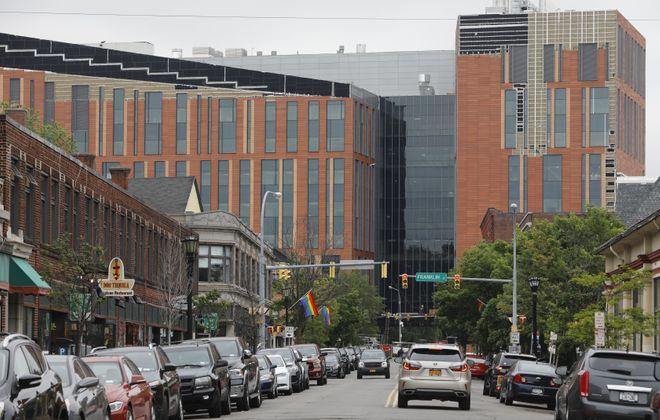 The new UB Medical School at 955 Main St. (Derek Gee/Buffalo News)