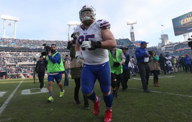 Buffalo Bills defensive tackle Kyle Williams runs off the field after the Jacksonville Jaguars beat the Buffalo Bills, 10-3. (James P. McCoy/Buffalo News)
