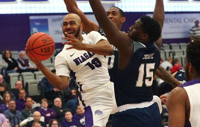 Niagara guard Kahlil Dukes (10) hopes to be drafted. (James P. McCoy/Buffalo News)
