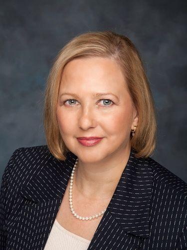 Lisa M. Kirisits receives award