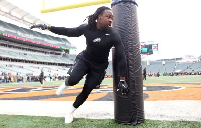 Steven Means warms up prior to the start of the Eagles game against the Cincinnati Bengals in 2018.  (Getty Images)