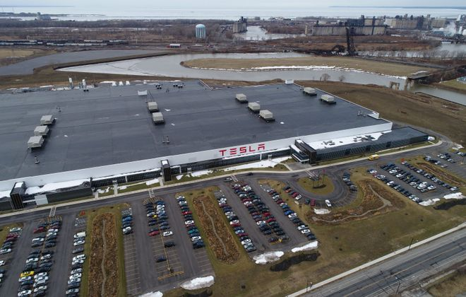 Tesla's solar energy installations keep dropping. (Derek Gee/News file photo)