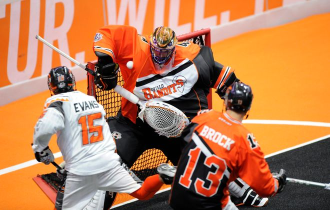 Goaltender Anthony Cosmo and the Bandits kept New England offensive ace Shawn Evans in check in a 2016 playoff victory. (Norwich Bulletin)