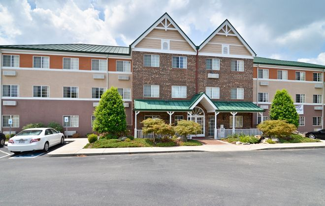 Hamister Group sold this hotel in Knoxville, Tenn.