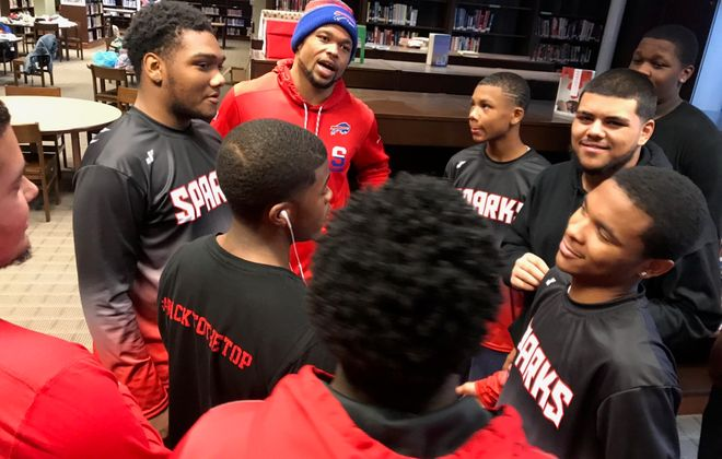 Bills linebacker Lorenzo Alexander mentored the South Park High School football team throughout the past year. (Contributed photo)