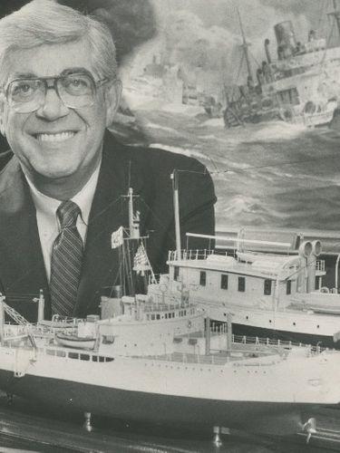 Richard L. Petri, bakery business owner, Coast Guard veteran