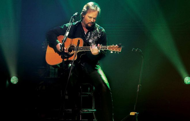 Travis Tritt will perform an intimate concert at the Riviera Theatre.