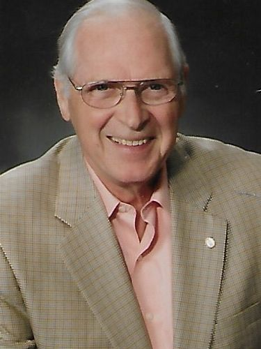 Daniel L. Newcomb, 83, hospital fundraiser and Rotary Rink proponent