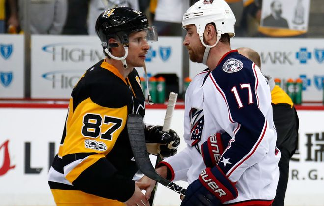 Long-time combatants Sidney Crosby of the Penguins and Brandon Dubinsky of the Blue Jackets shook on it last April after a 111-point Pittsburgh team eliminated 108-point Columbus in the first round of the playoffs (Getty Images).