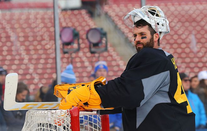 Carter Hutton was with the Blues for the 2017 Winter Classic against Chicago at Busch Stadium in St. Louis. (Getty Images)