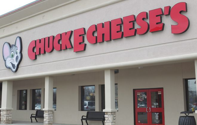 "The Chuck E. Cheese's on Harlem Road is on GrubHub as ""Pasqually's."" (Sharon Cantillon/News file photo)"