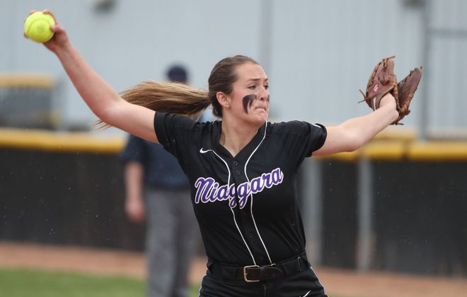Niagara's Jennifer Szilagyi throws a pitch in the third inning during a two-hit shutout of Canisius Tuesday. (James P. McCoy/Buffalo News)