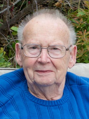 Dr. Charles R. Schen, 91, chief of orthopedics at Our Lady of Victory Hospital
