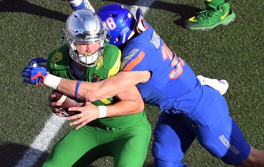 Boise State linebacker Leighton Vander Esch  made a pre-draft visit with the Buffalo Bills. (Getty Images)