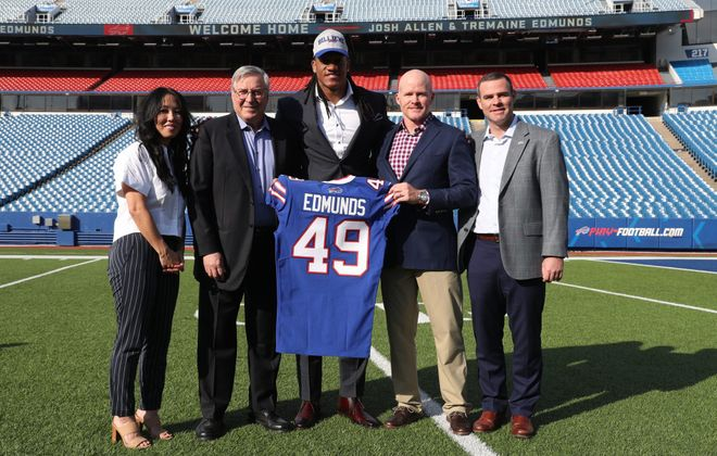 Buffalo Bills first round picks Josh Allen and Tremaine Edmunds pose for the press at New Era Field in Orchard Park,N.Y. on Friday, April 27, 2018.  James P. McCoy/Buffalo News