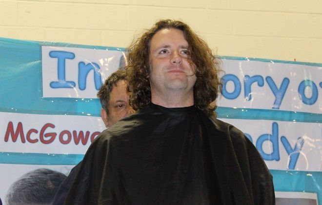 Rick Frank had his his head shaved in 2014 to donate his hair to patients fighting cancer. He'll have his head shaved again on Saturday morning as part of an event in memory of his mother, Cindy.