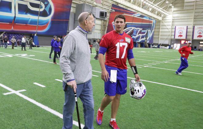 Bills Hall of Famer Jim Kelly talks to quarterback Josh Allen at rookie minicamp. (James P. McCoy/Buffalo News)