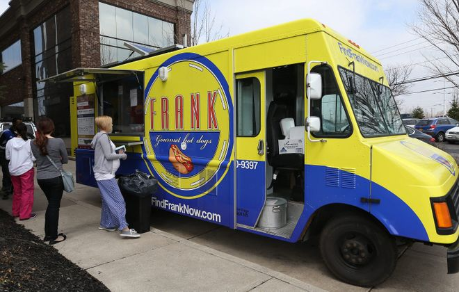 Frank Gourmet Hot Dogs food truck is pictured in 2015. (Sharon Cantillon/News file photo)