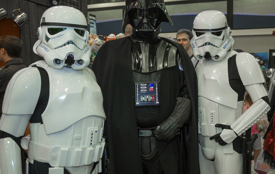 You never know who you'll see at a convention.  (Don Nieman/Special to The News)