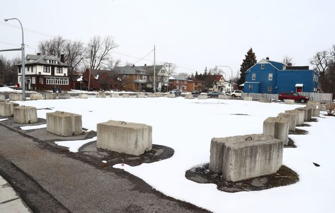 The site at 159 Niagara Falls Blvd., at Kenmore Avenue, has annoyed Amherst officials since a Red Apple gas station and convenience store closed there in the late 1990s. (John Hickey/News file photo)