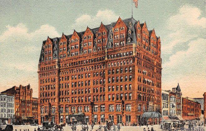 Hotel Iroquois, seen on  a postcard.