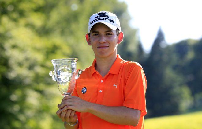 Nicolas Quintero defeats Jacob Tarkany to win the 66th International Junior Masters Championship at the East Aurora Country Club Friday. (Harry Scull Jr./ Buffalo News)