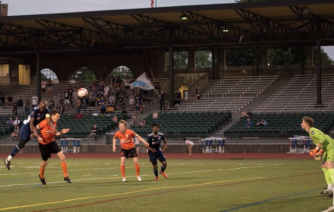 FC Buffalo's offense couldn't capitalize on a strong defensive effort, however. (Robert Zielonka at RJZ Photography)