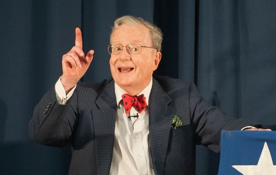 """Political satirist Mark Russell will give his """"Midterm Report"""" in a benefit for the Robert H. Jackson Center."""