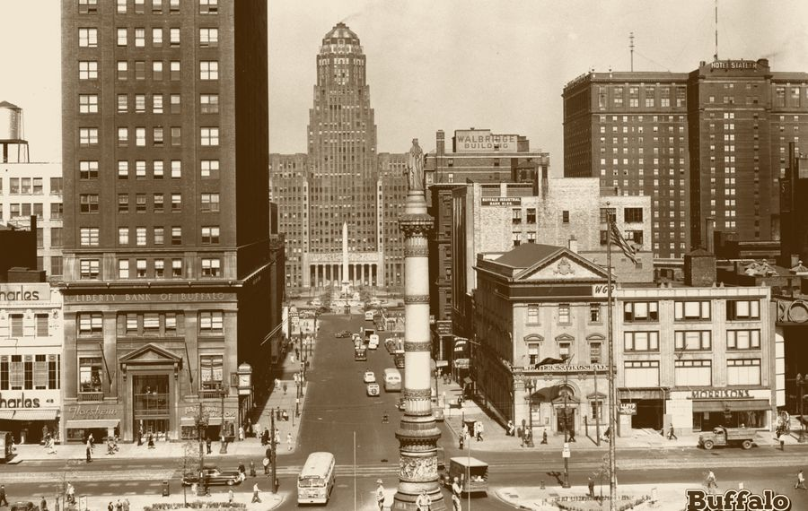 The WGR-sponsored ribbon message board was installed just below the roof line of the Western Savings Bank in 1949. (Buffalo Stories archives)