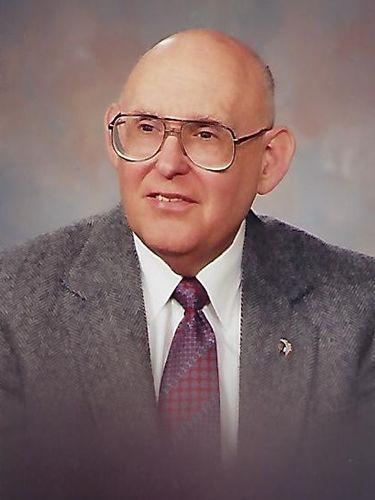 Leonard S. Sikora, 90, principal at Bennett and Seneca Vocational High Schools