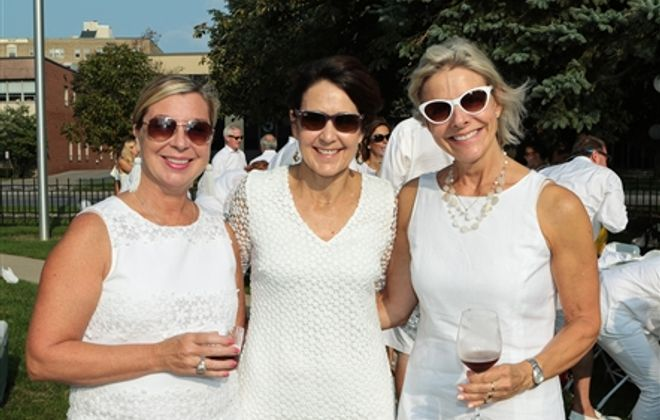 Picture This: Komen Night in White