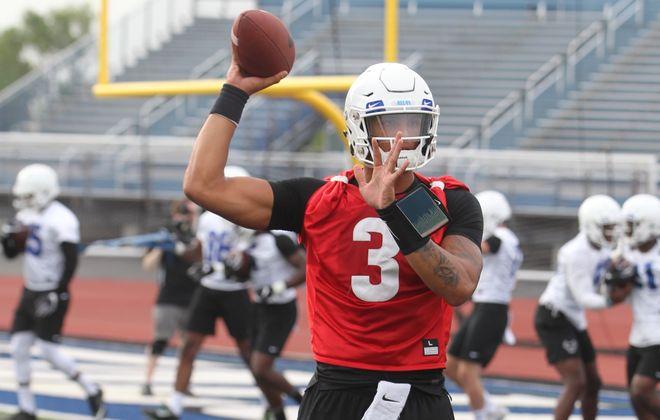 Quarterback Tyree Jackson. (John Hickey/Buffalo News)