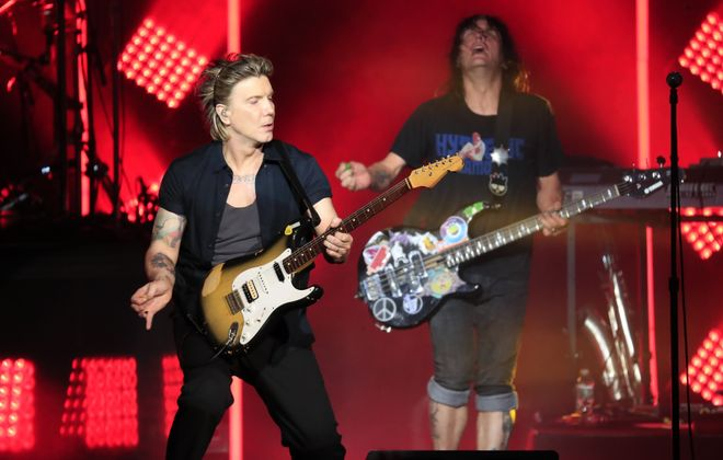 Johnny Rzeznik, left, and Robby Takac have added a third show to the Goos' Buffalo visit. (Harry Scull Jr./News file photo)