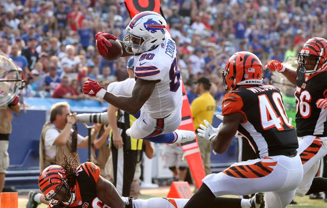 Bills tight end Jason Croom is questionable for Sunday's game at Green Bay because of a knee injury. (James P. McCoy/Buffalo News)