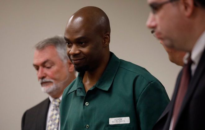 Valentino Dixon, who spent 26 years in prison for a murder he didn't commit, arrives Wednesday, Sept. 19, 2018, in Erie County Court court where his sentence was vacated. He will be freed today. (Derek Gee/Buffalo News)
