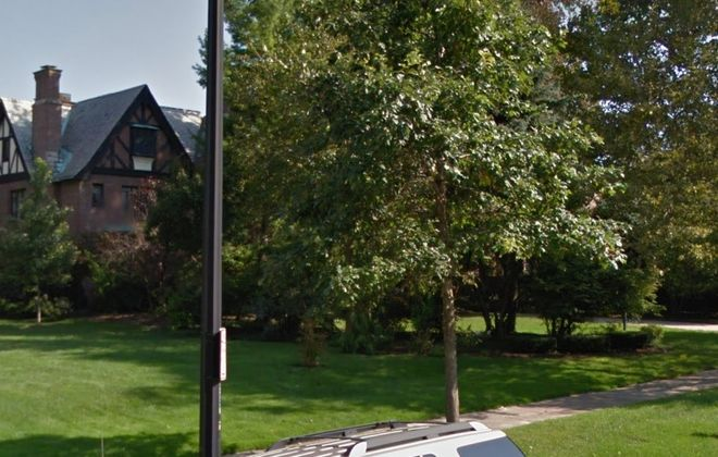 This home on West Ferry was purchased for $1.2 million by a Deloitte consultant. (Google Maps)