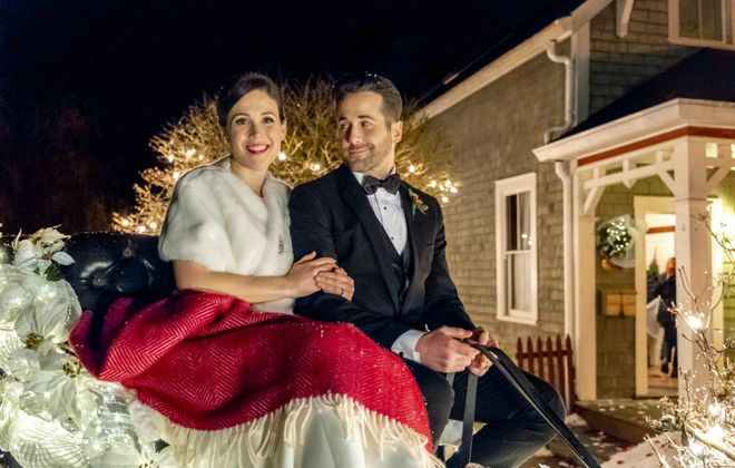 """Erin Krakow and Niall Matter return in """"Marrying Father Christmas"""" on Hallmark Movies & Mysteries. (Crown Media:Kailey Schwerman)"""