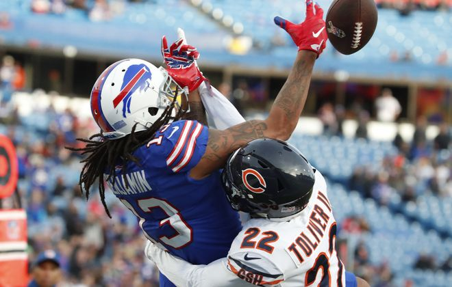 Bears defensive back Kevin Toliver II knocks the ball away from Bills receiver Kelvin Benjamin. (Harry Scull Jr./Buffalo News)