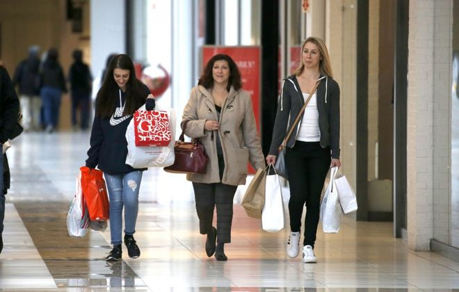 The Fashion Outlets Mall in the Town of Niagara. (Robert Kirkham/News file photo)