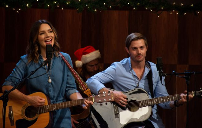 """Two musicians learn to work together in """"Country Christmas Album"""" premiering on ION Television."""