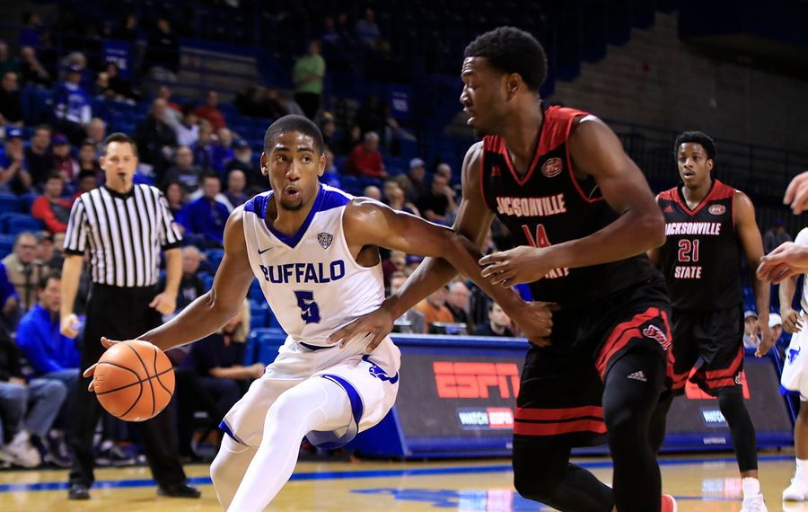 Ub Men S Basketball Ranked In Top 25 For First Time The