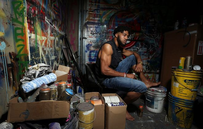 Former Buffalo Bill Aaron Maybin has become an accomplished artist. His story is the focal point of CBS' Thanksgiving pre-game show. (James P. McCoy/News file photo)