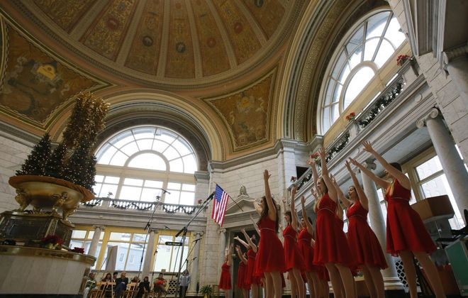"""M&T Bank's """"Holiday Music Under the Dome"""" concert series at Fountain Plaza is returning. (Derek Gee/Buffalo News file photo)"""