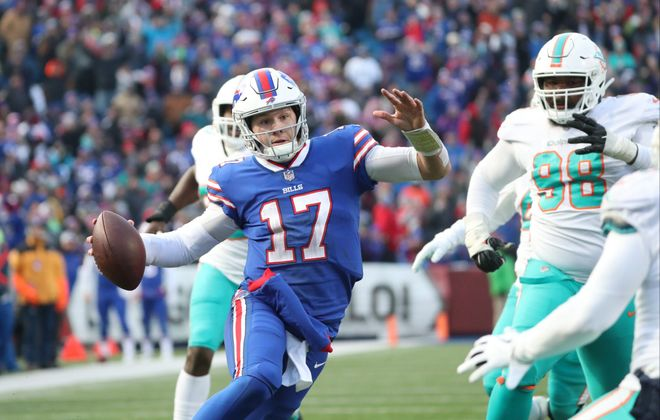 Josh Allen rushes for a touchdown in the fourth quarter. (James P. McCoy/Buffalo News)