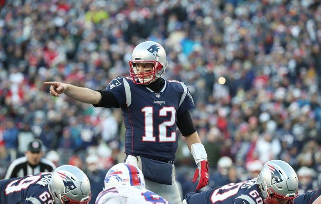 New England Patriots quarterback Tom Brady calls a play against the Bills. (James P. McCoy/Buffalo News)